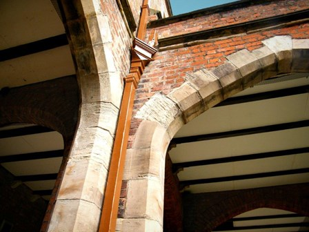 Masonry arch cracking, and in need of structural repairs by Cintec anchors at QUB, Co. Antrim, Northern Ireland