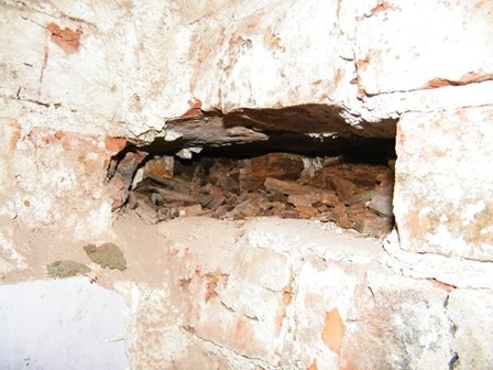 Dry rot, Derry: Dry rot was found in embedded timbers